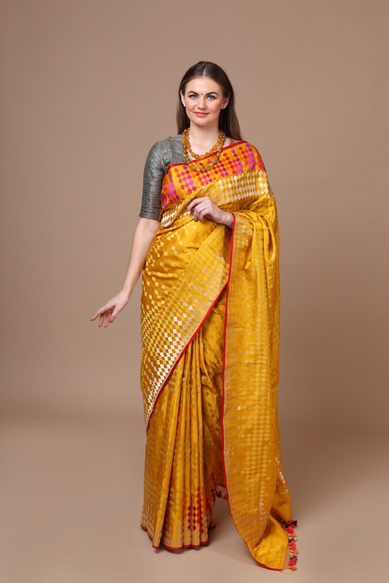 pure-hand-woven-benarasi-yellow-tanchoi-silk-saree