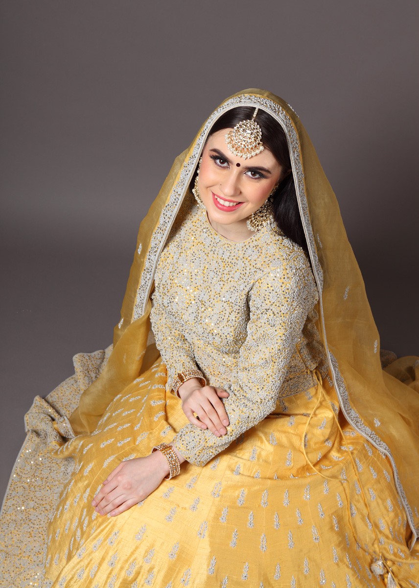 pure-hand-woven-raw-silk-yellow-lehnga-blouse-with-pure-silk-organza-dupatta