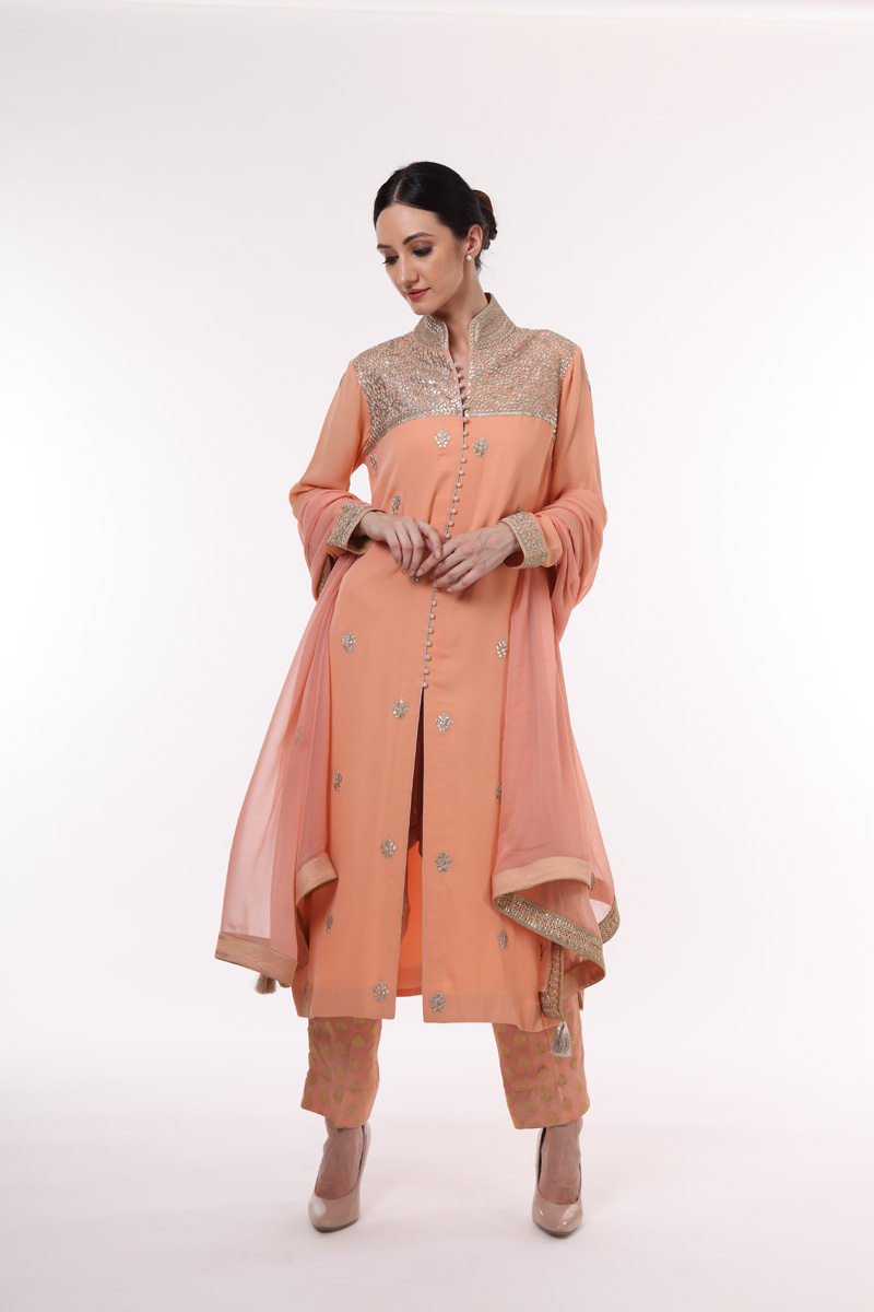 pure-crepe-georgette-suit-set-with-chiffon-dupatta-in-a-peach-colour