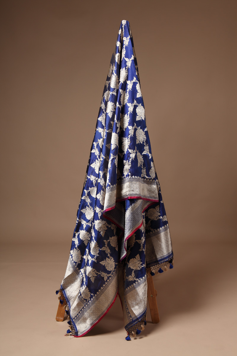 pure-hand-woven-royal-blue-benarasi-katan-silk-dupatta-with-kadhwa-jangla