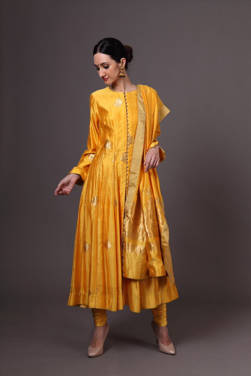 yellow-pure-hand-woven-benarasi-silk-kadhwa-buti-anarkali-suit-set