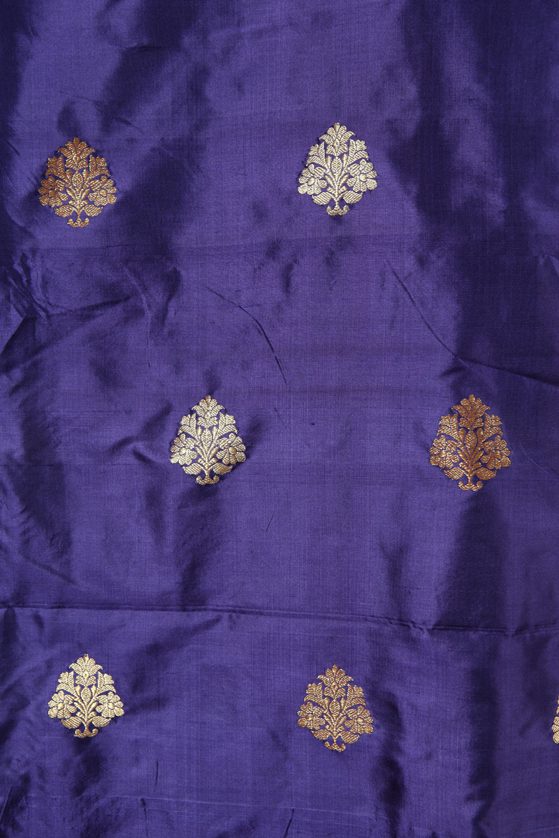 pure-hand-woven-benarasi-midnight-blue-katan-silk-fabric-with-kadhwa-butis