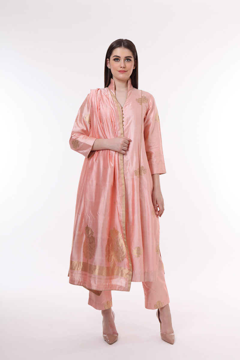 pure-hand-woven-benarasi-silk-kadhwa-buti-suit-set-in-a-coral-peach-colour