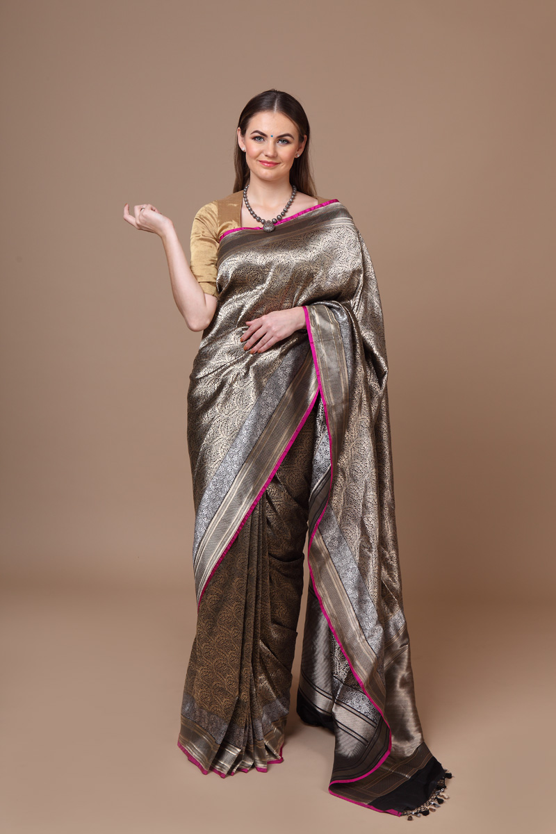 pure-hand-woven-benarasi-black-katan-silk-saree