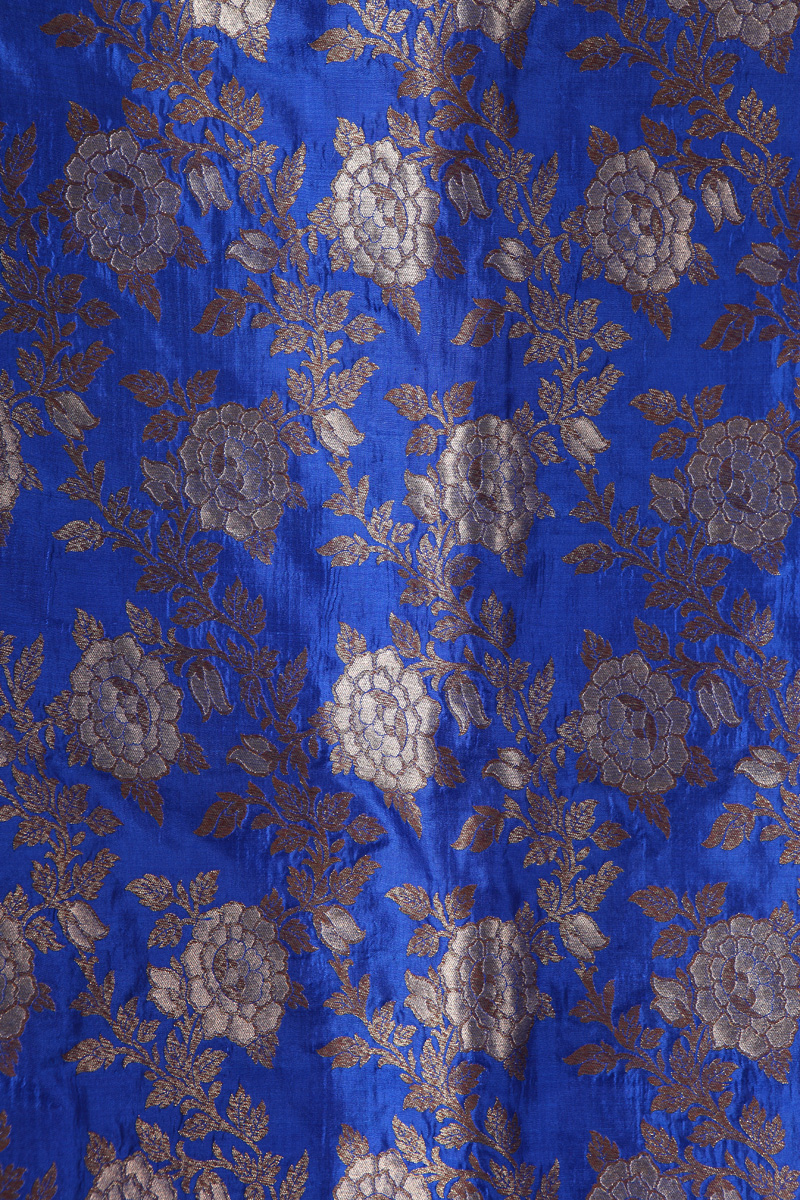pure-hand-woven-royal-blue-benarasi-silk-fabric-with-sona-roopa-jangla