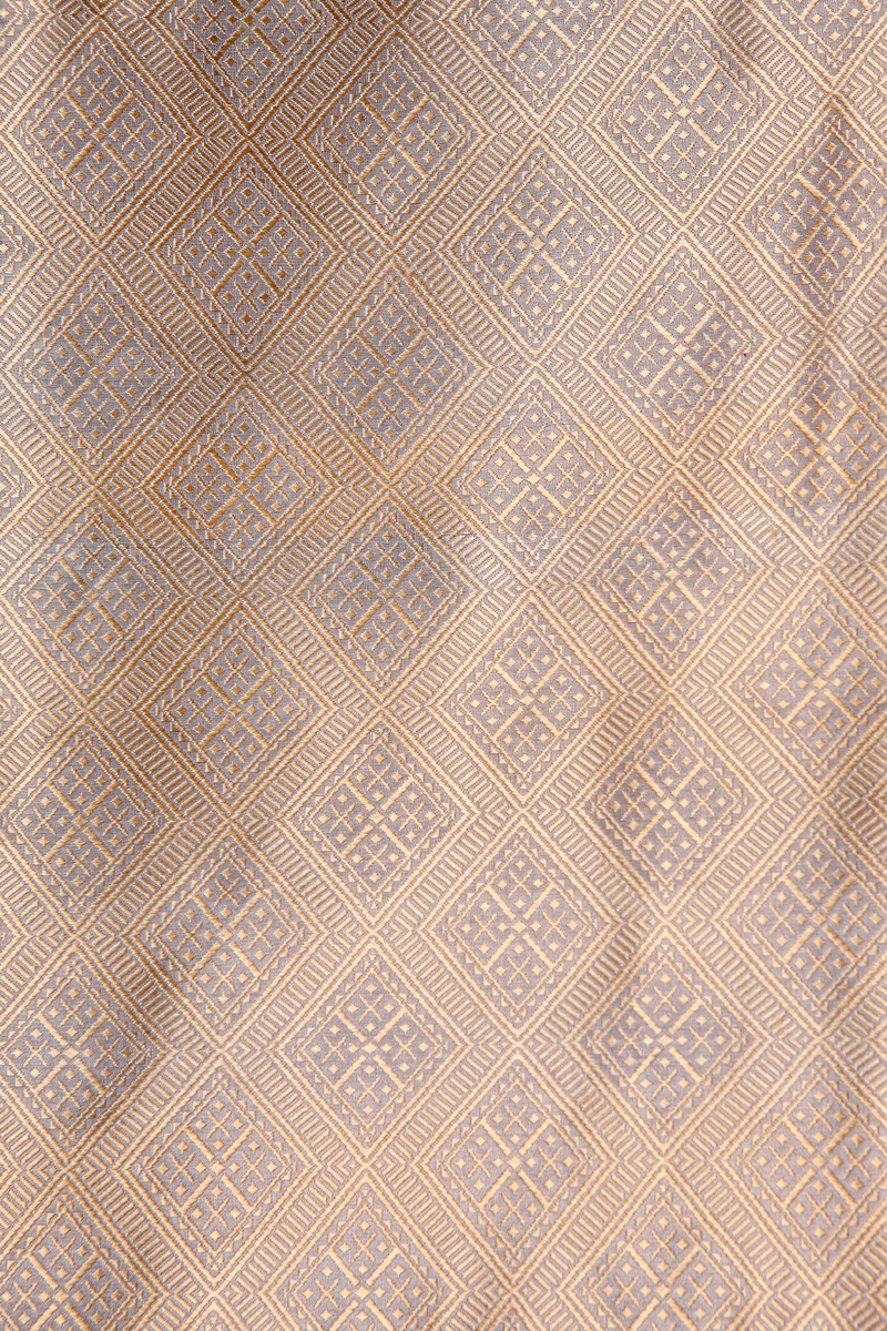 pure-hand-woven-grey-gold-benarasi-silk-fabric