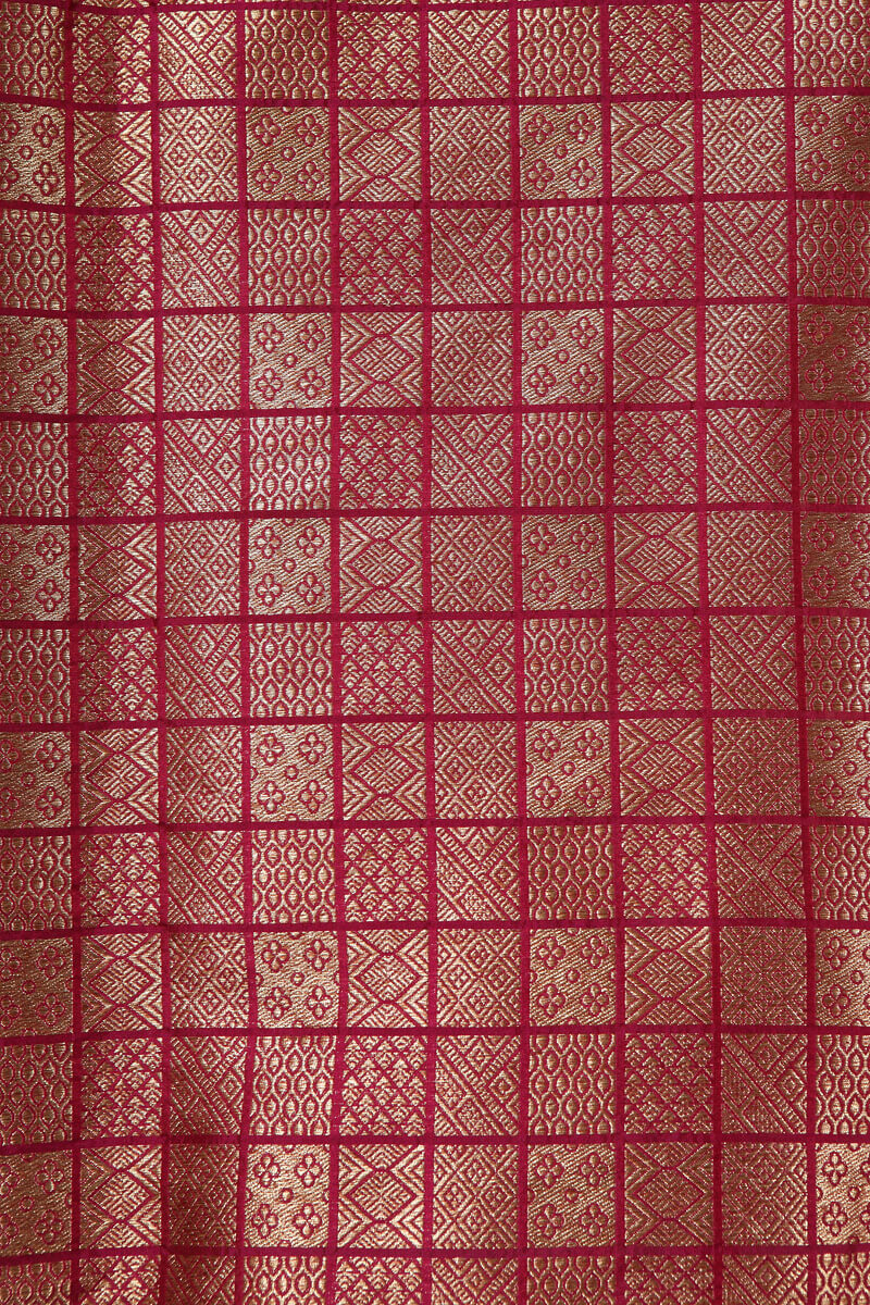 pure-hand-woven-dark-majenta-benarasi-brocade-silk-fabric-with-antique-zari