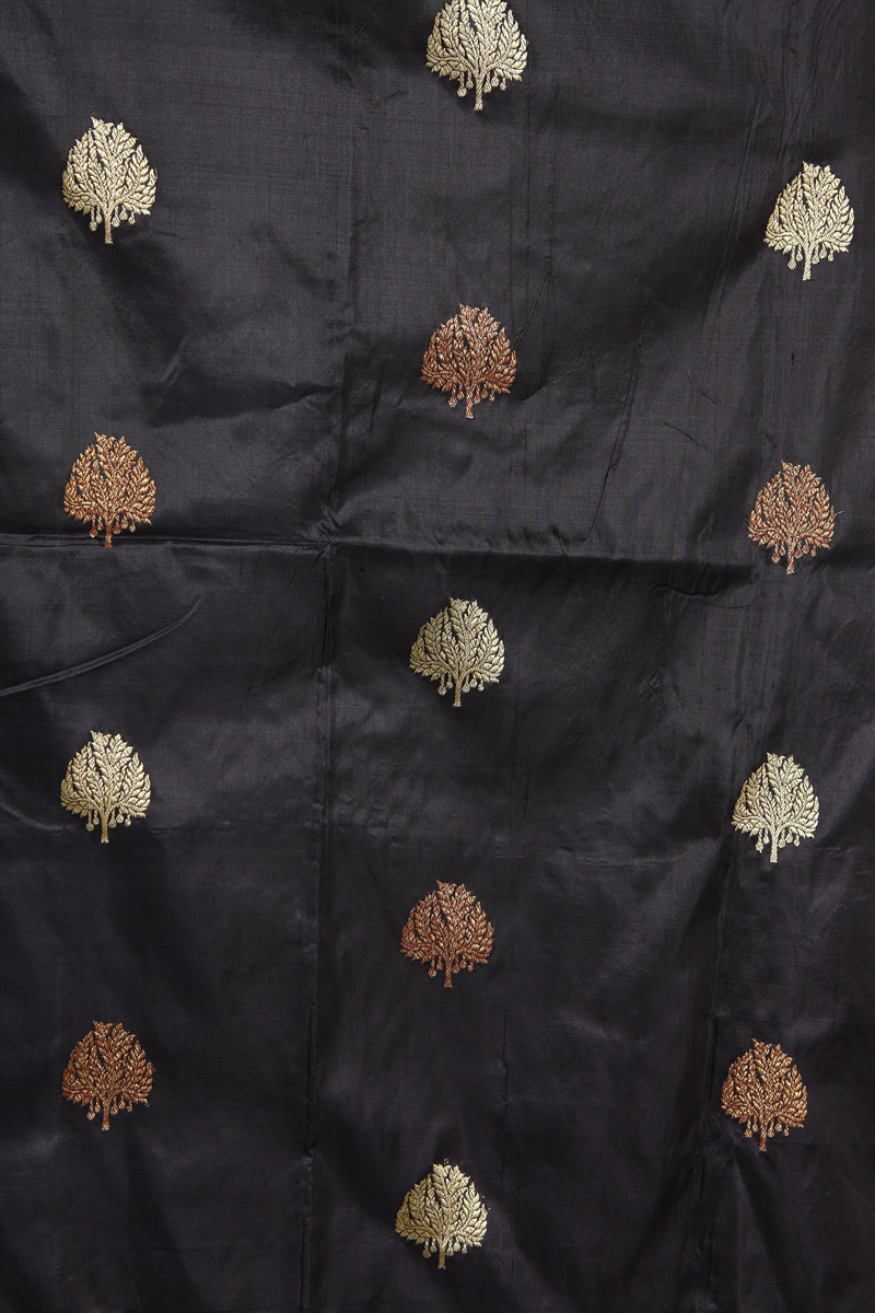 pure-hand-woven-benarasi-black-katan-silk-fabric-with-kadhwa-butis