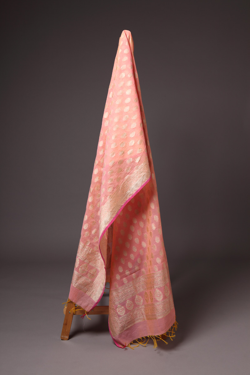 pure-hand-woven-benarasi-peach-cotton-silk-dupatta