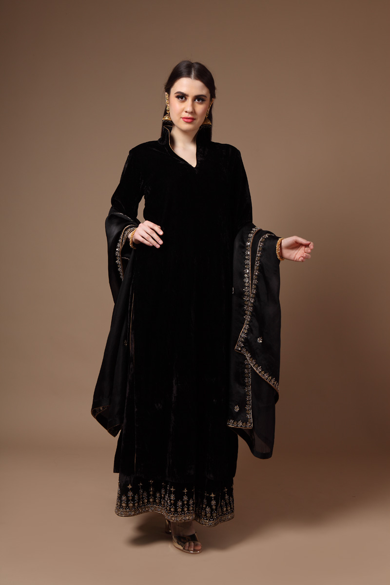 black-pure-silk-velvet-suit-set-with-dabka-hand-embroidery
