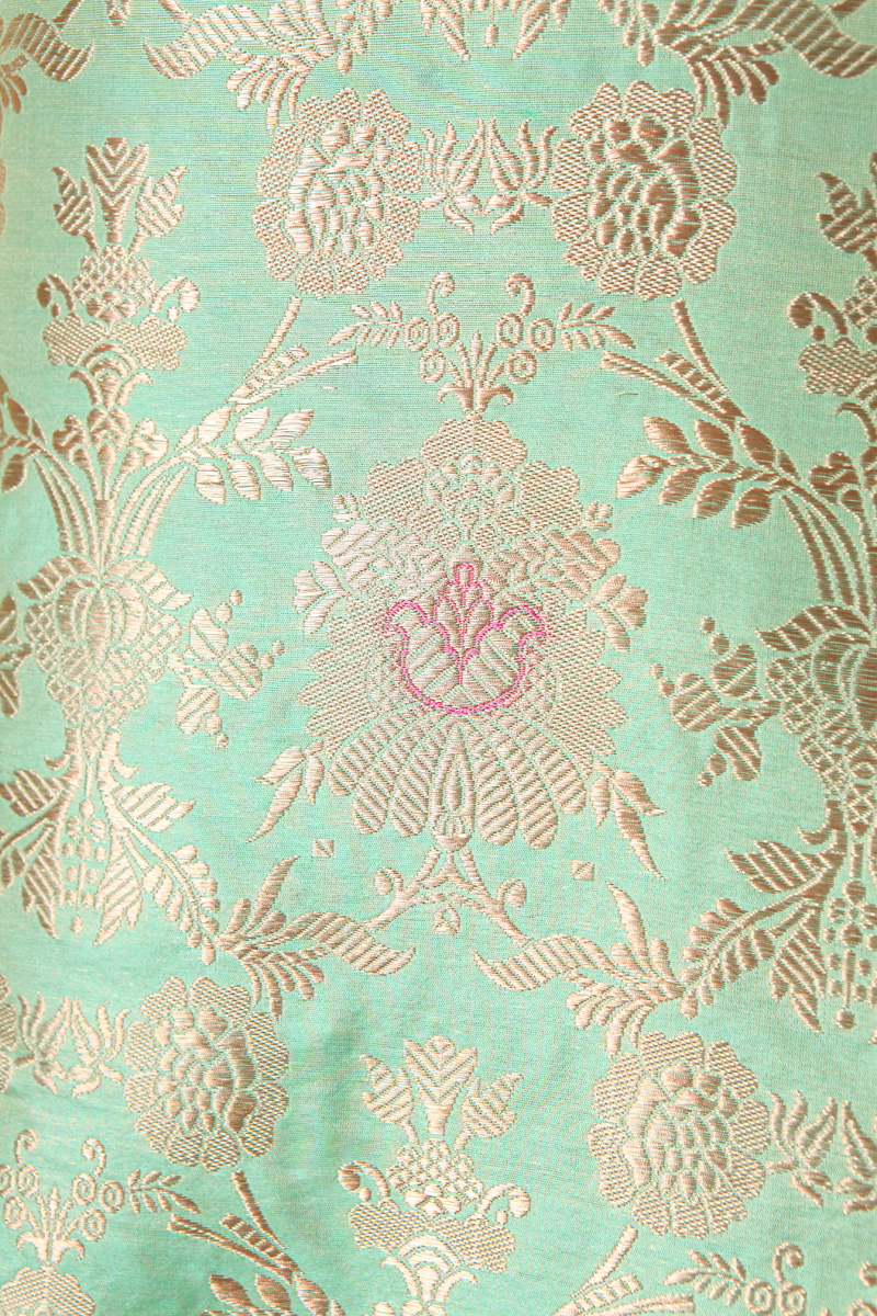 pure-hand-woven-light-green-benarasi-brocade-katan-silk-fabric-with-meena-jangla