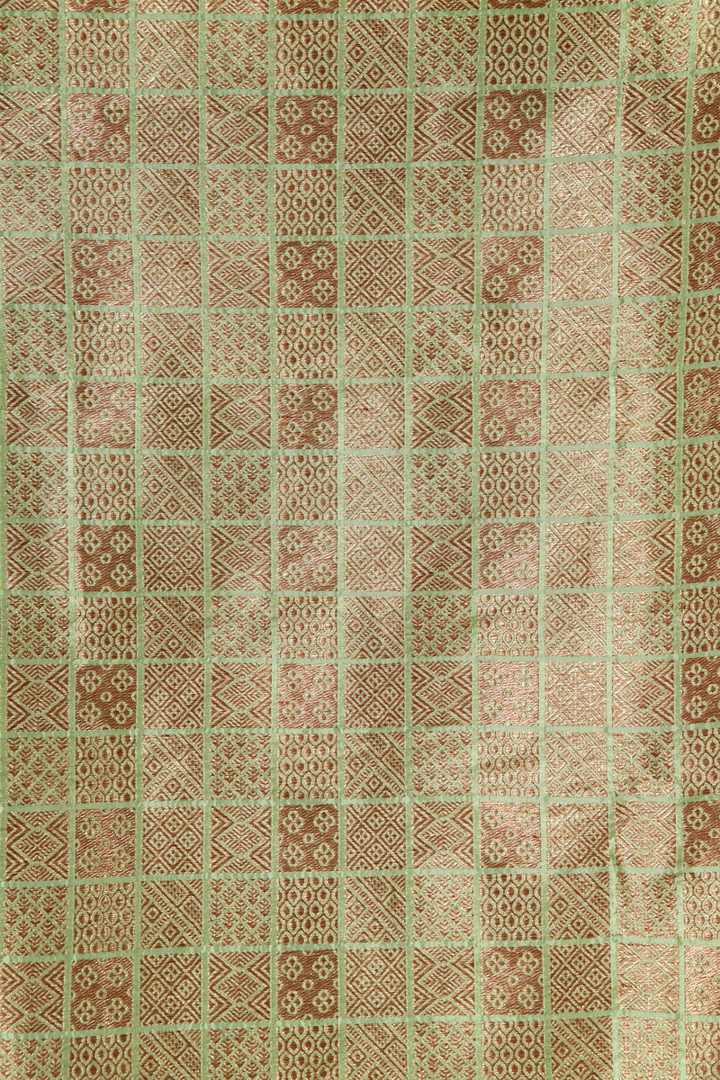pure-hand-woven-pistachio-green-benarasi-brocade-silk-fabric-with-antique-zari