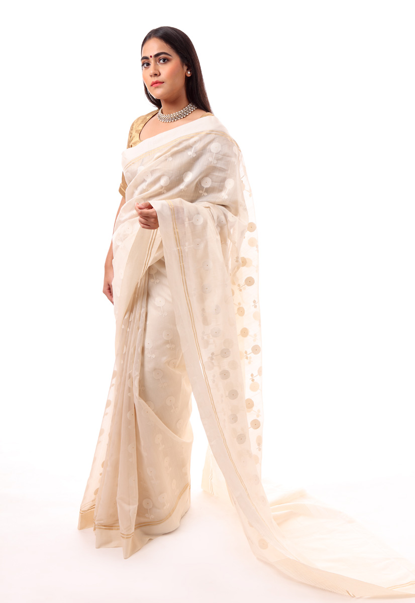 pure-hand-woven-off-white-chanderi-silk-saree-with-all-over-flower-butis