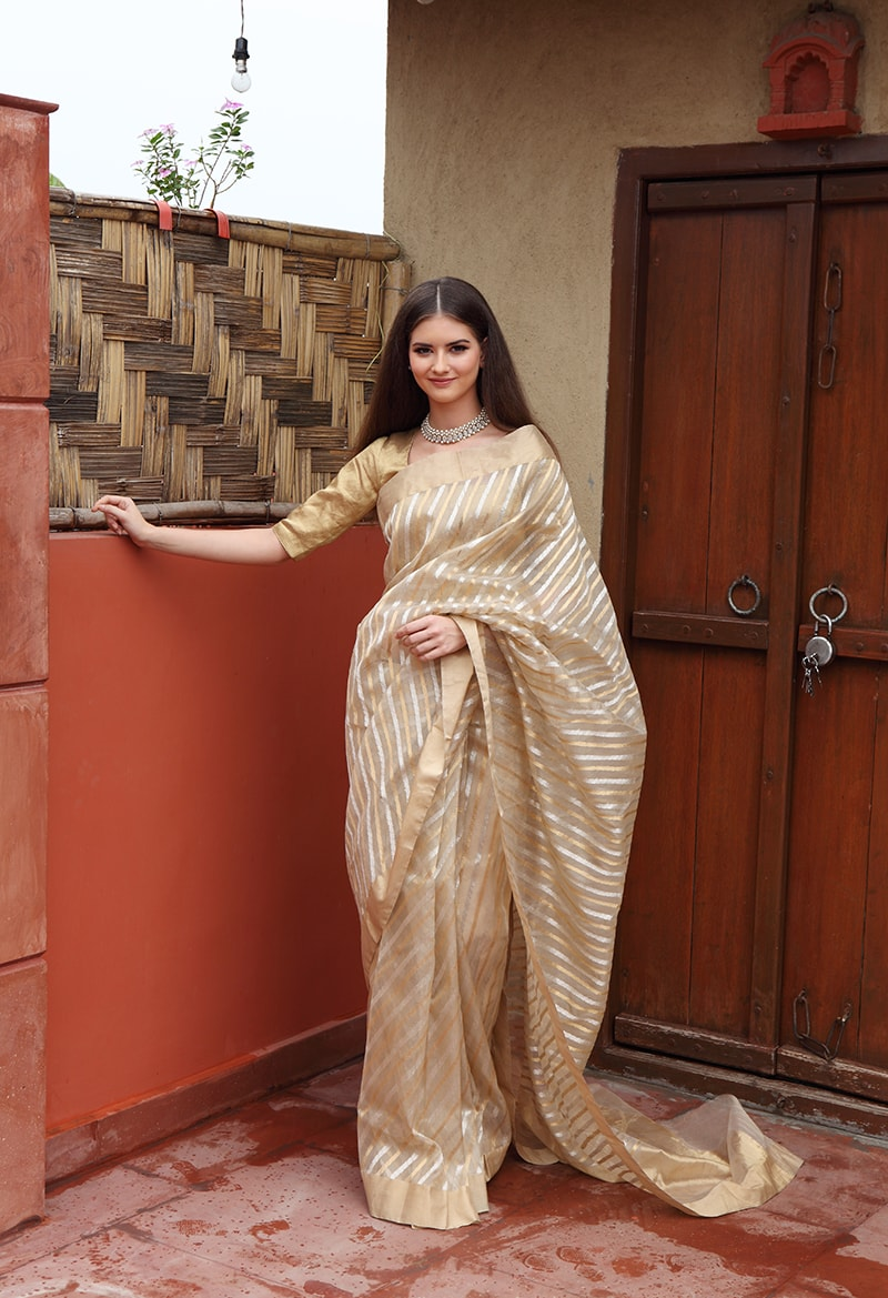 pure-hand-woven-beige-chanderi-saree-with-diagonal-stripes
