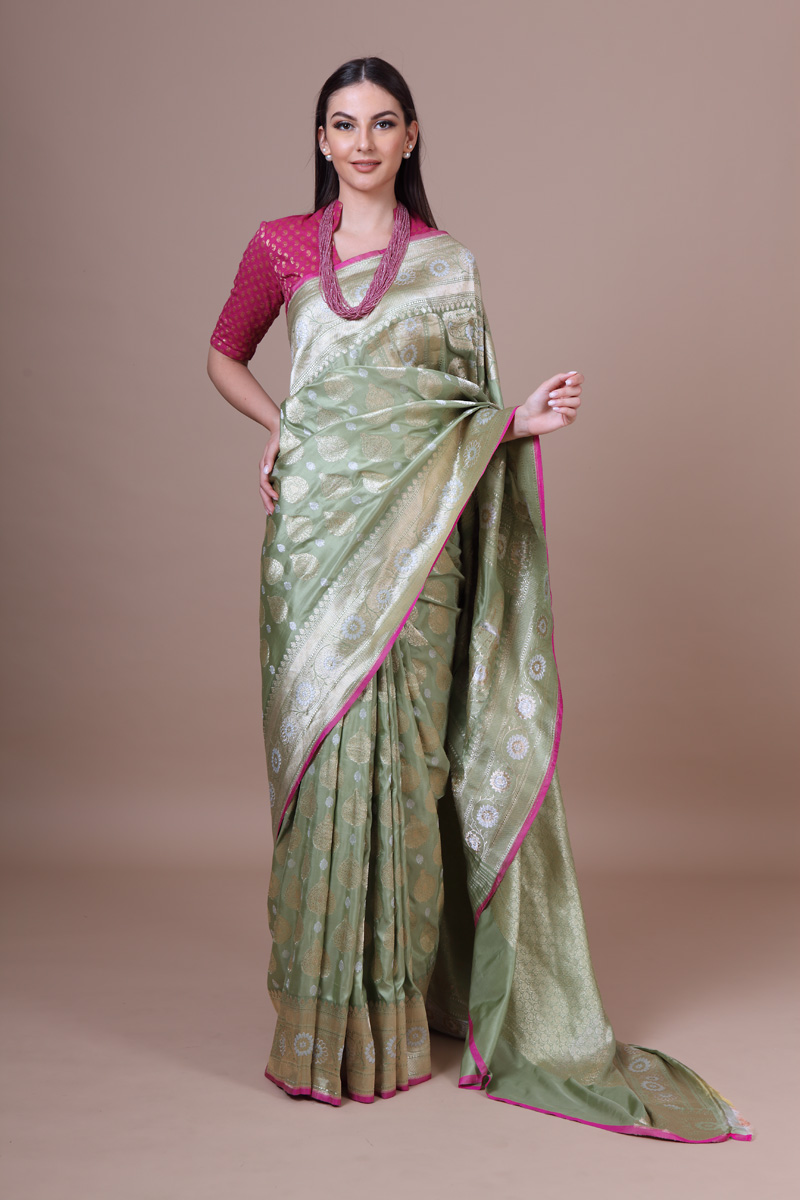 pure-hand-woven-benarasi-quiet-green-kadhwa-katan-silk-saree