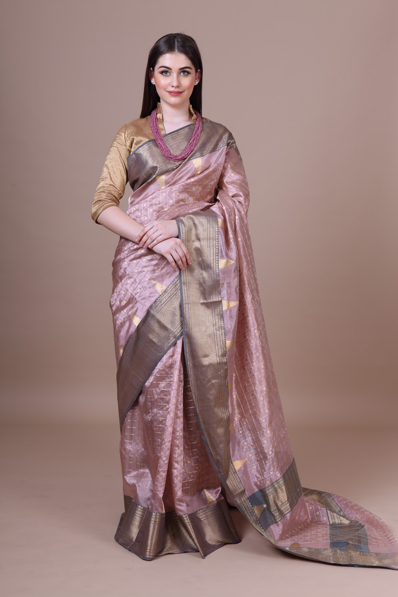pure-hand-woven-chanderi-mauve-katan-silk-saree-with-all-over-eknaliye-checks-buti-jangla-with-a-temple-border