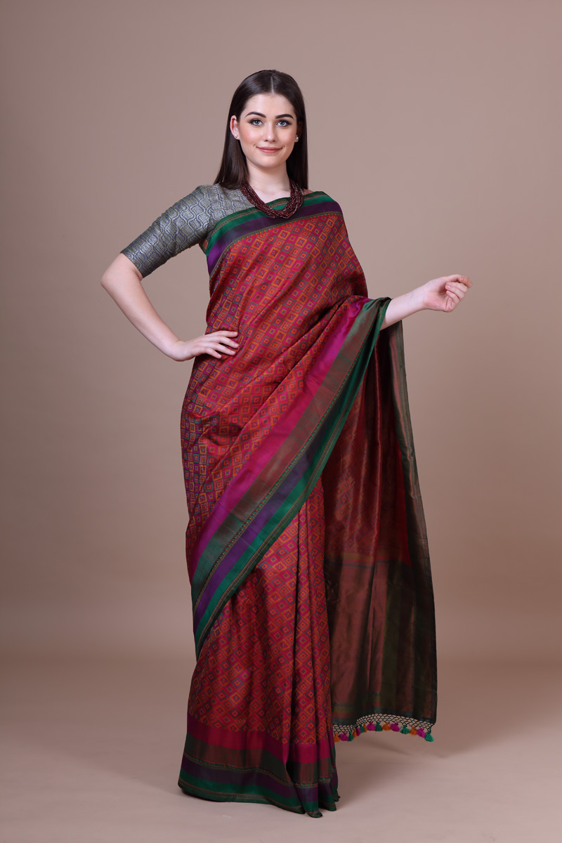 pure-hand-woven-benarasi-majenta-multicoloured-tanchoi-silk-saree
