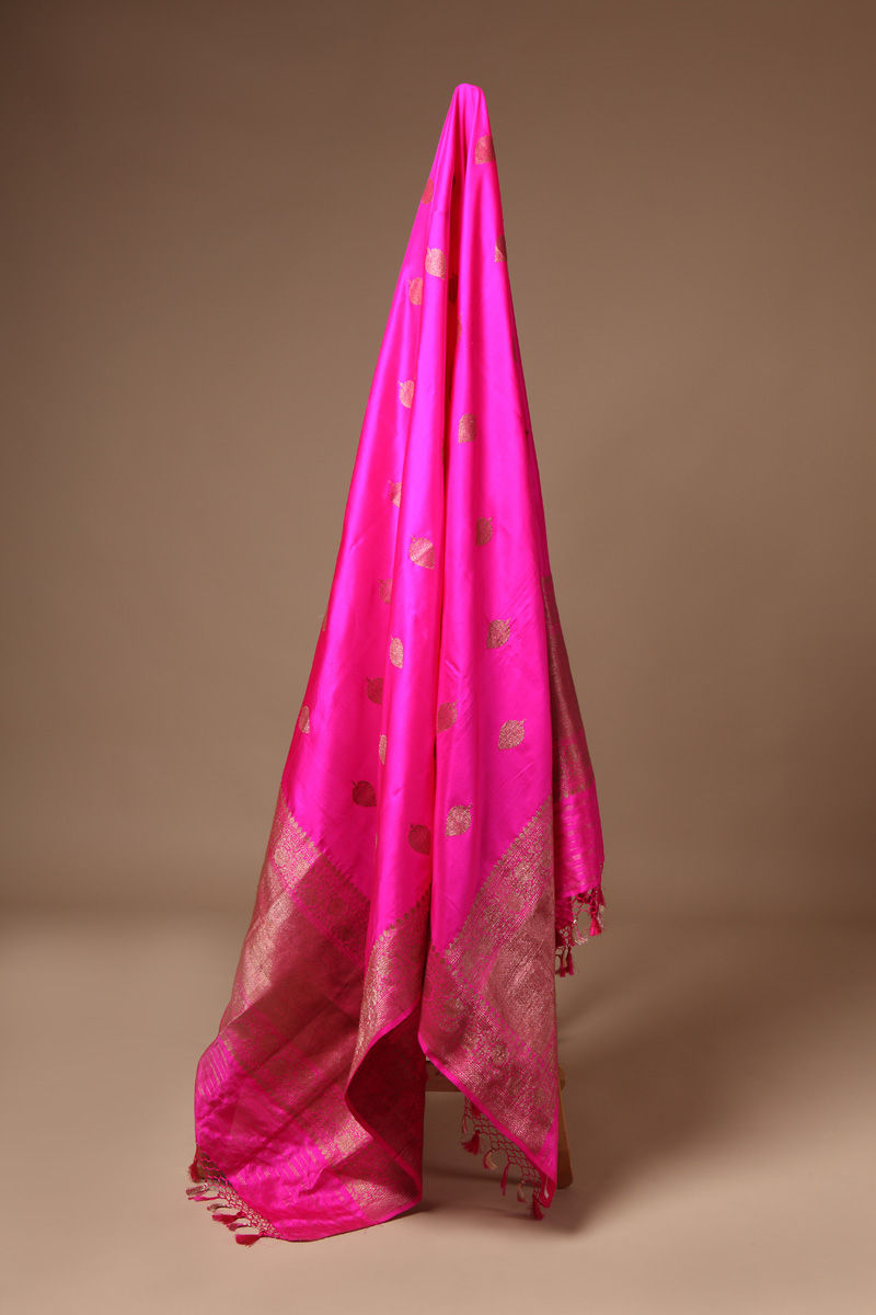 pure-hand-woven-benarasi-pink-katan-silk-dupatta-with-kadhwa-antique-butis