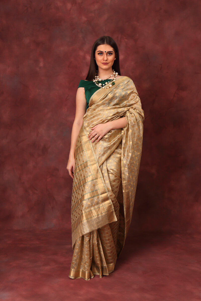 hand-woven-chanderi-twill-green-pure-pattu-silk-saree-with-all-over-eknlaiye-checks-leaf-butis