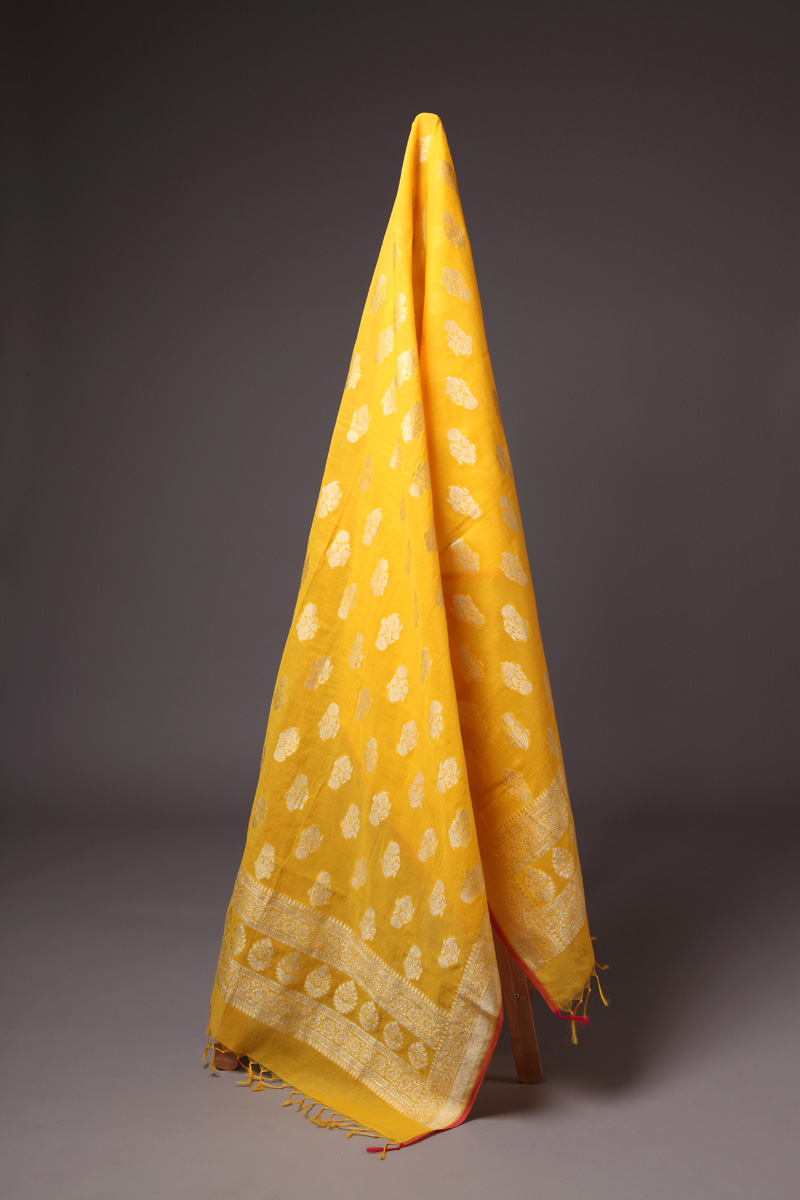 pure-hand-woven-yellow-benarasi-cotton-silk-dupatta
