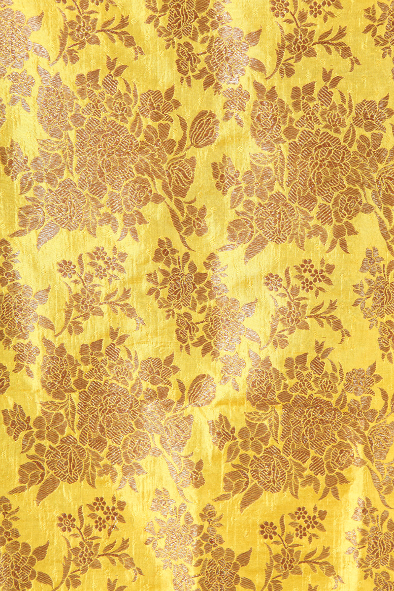 pure-hand-woven-yellow-benarasi-silk-fabric-with-antique-jangla