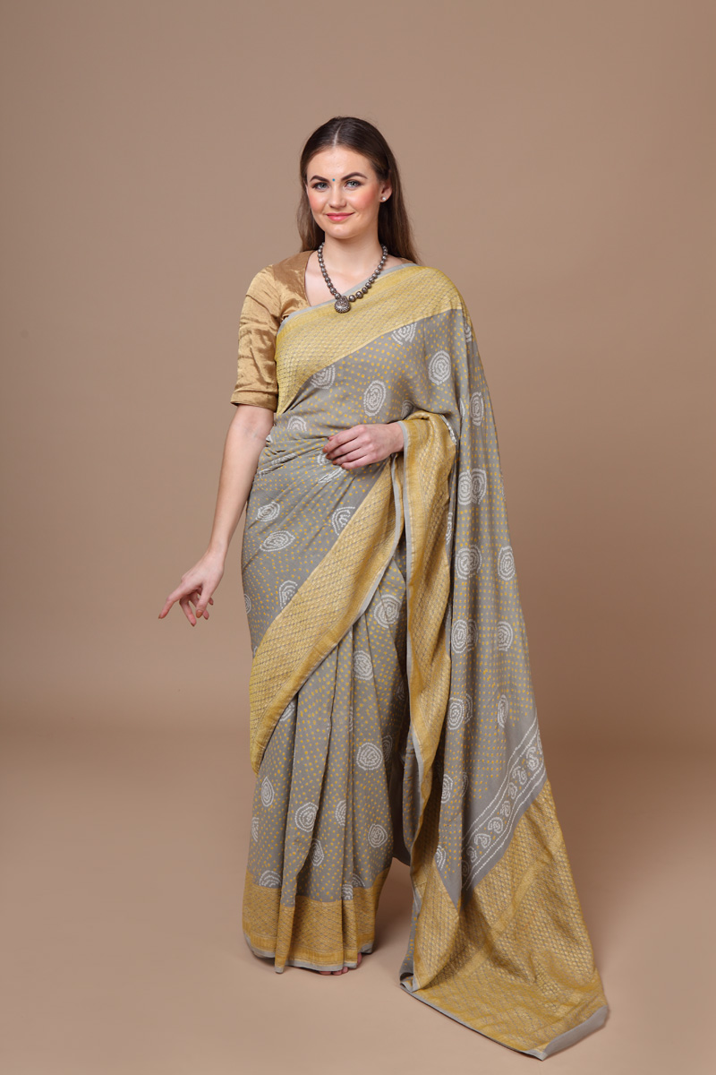 pure-hand-woven-benarasi-georgette-smoke-grey-bandhej-saree