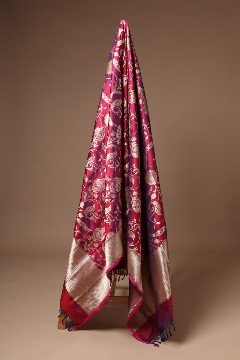 pure-hand-woven-wine-coloured-benarasi-katan-silk-dupatta-with-kadhwa-jangla