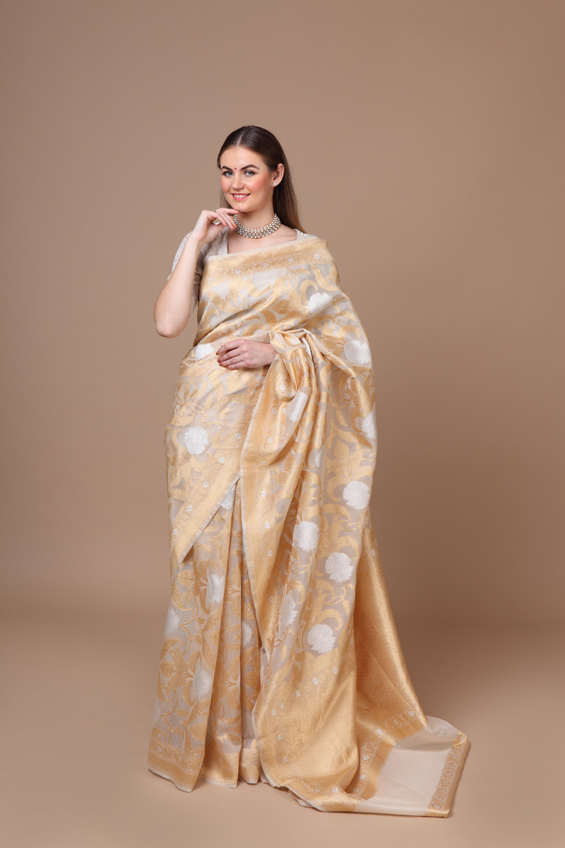 pure-hand-woven-benarasi-off-white-kora-silk-jangla-saree