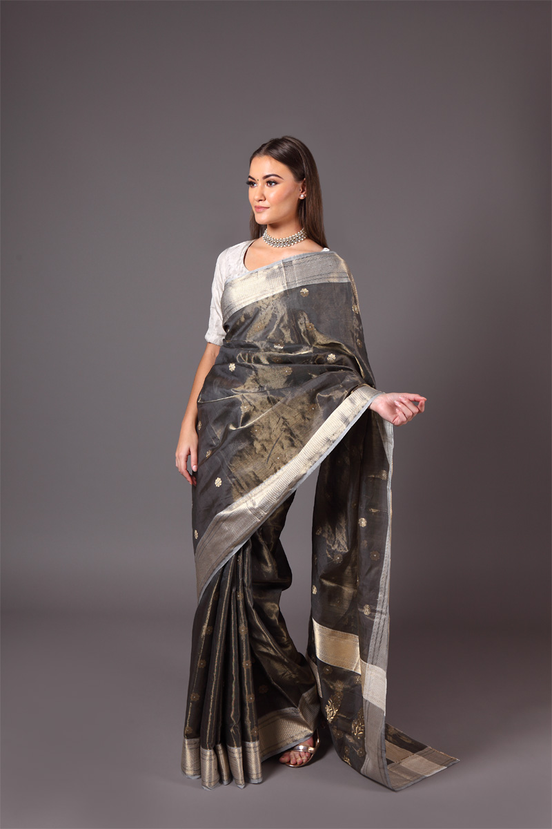 pure-hand-woven-dark-grey-chanderi-tissue-silk-saree-with-all-over-eknaliye-flower-butis