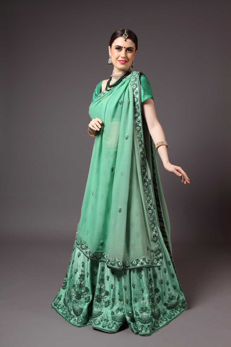 pure-hand-woven-raw-silk-green-lehnga-blouse-with-pure-silk-chiffon-dupatta